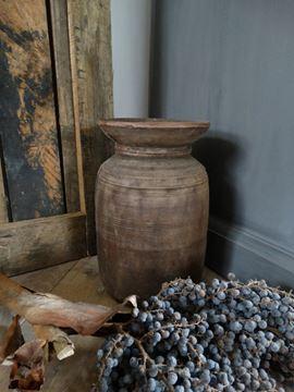 Afbeeldingen van Oude Nepalese kruikpot van hout nr. 8