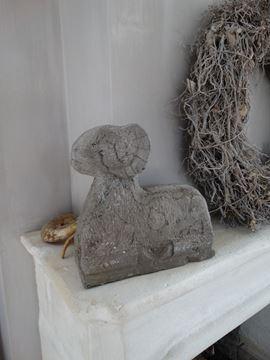Afbeeldingen van Stoere stenen ram M