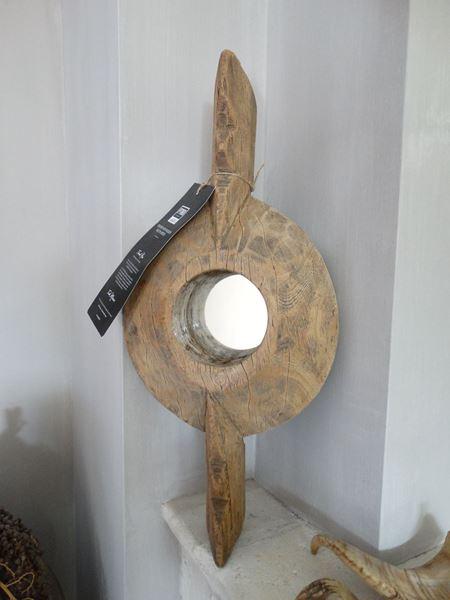 Afbeelding van Unieke oud houten spiegel
