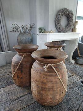 Afbeeldingen van Oude Nepalese kruikpot van hout nr. 9