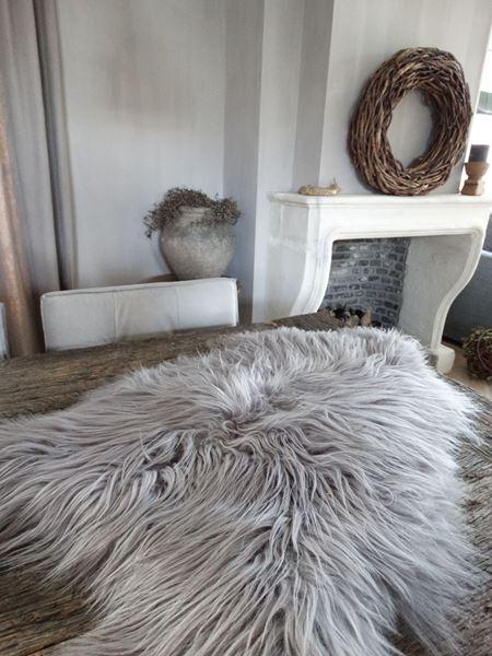 Afbeelding van Langharig grijs schapenvacht nr. 2
