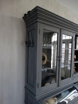Afbeeldingen van Hangkandelaar, kastkandelaar, luikkandelaar
