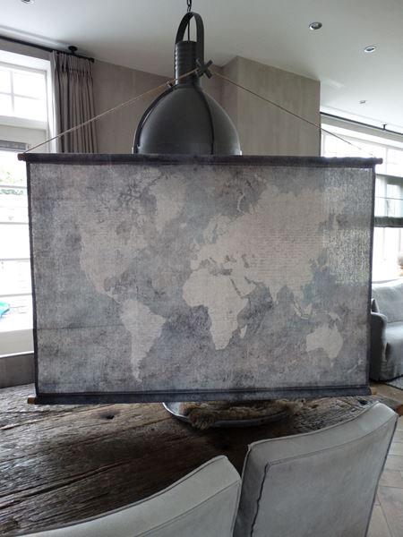 Afbeelding van Linnendoek wereldkaart als wanddecoratie