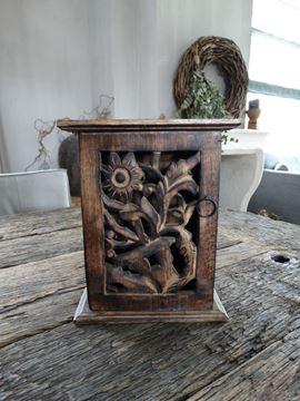 Afbeeldingen van Oud houten sleutelkastje