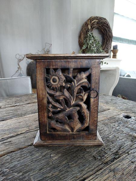 Afbeelding van Oud houten sleutelkastje