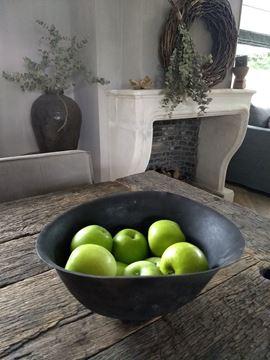 Afbeeldingen van Oude legerhelm fruitschaal