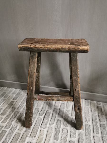 Afbeelding van Oud houten krukje nr. 1