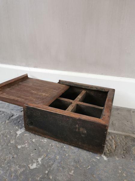 Afbeelding van Oud houten thee doos teabox