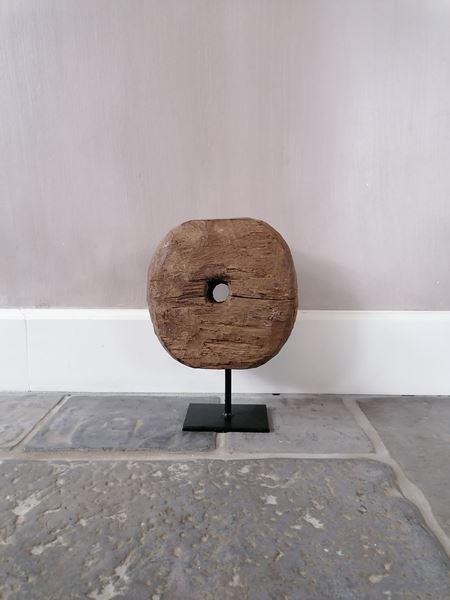 Afbeelding van Oud houten wiel ornament S