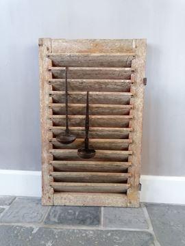 Afbeeldingen van Oud houten luikje nr 1