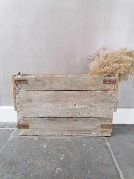 Afbeelding van Grote oud houten bak PTMD