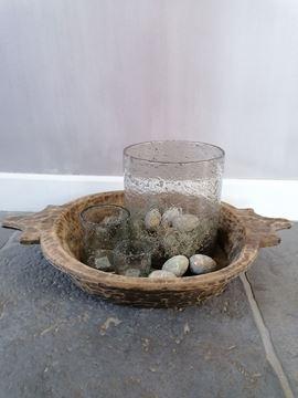Afbeeldingen van Oud houten schaal met handvatten