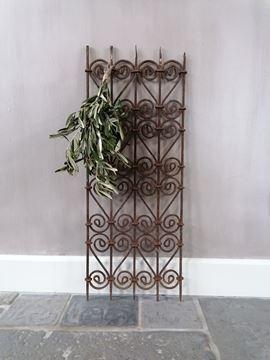 Afbeeldingen van Oud roestig decoratie sier hekje