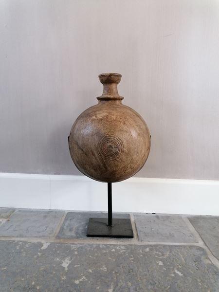 Afbeelding van Sural pot op statief nr. 1