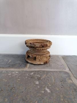 Afbeeldingen van Oud houten zaai kandelaar nr. 11