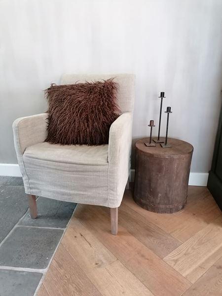 Afbeelding van Stoere rond houten bijzettafel - kruk