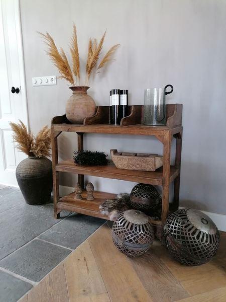Afbeelding van Stoer & Stijlvol oud houten display sidetable nr. 2