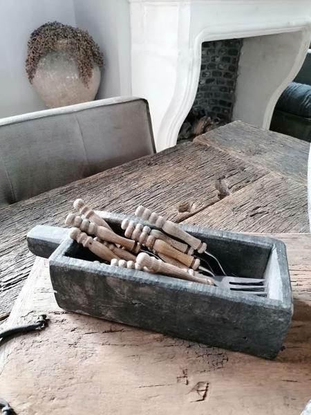 Afbeelding van Stoer & Stijlvol zwart houten boterbakje met handvat